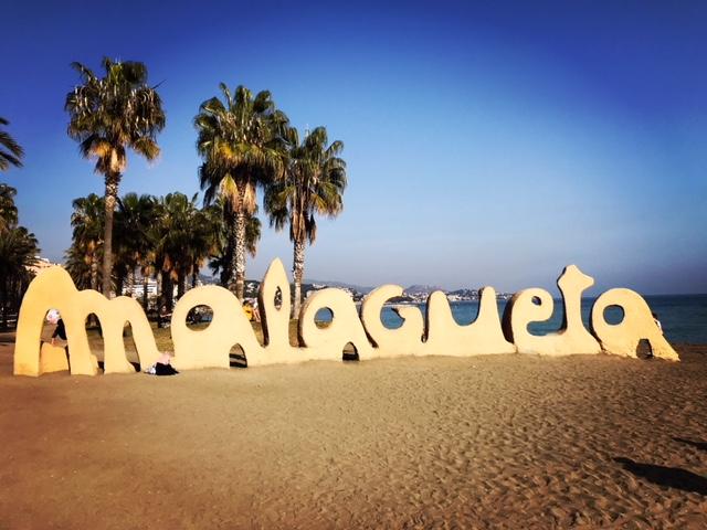 Sola skinner på Malagueta